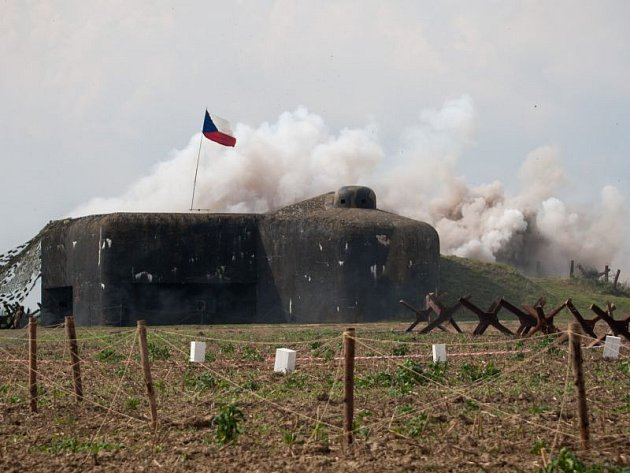 Uopevnění vMilostovicích probíhají nejrůznější akce pravidelně. Kromě ukázek bojů se bunkry pod vedením Klubu vojenské historie Opava zapojí také do sobotních Světel nad bunkry.