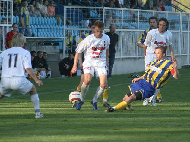 Opava šlape.Fotbalisté SFC Opava na jaře jedou. Naposledy porazili na domácím hřišti druhý celek tabulky HFK Olomouc.