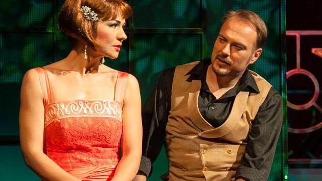 Marica (Tereza Kavecká) a její správce Béla Tőrők (Juraj Nociar).
