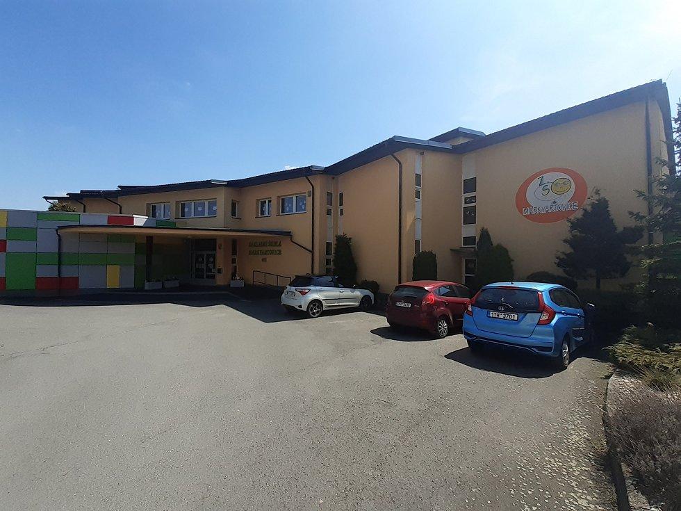 Základní škola Markvartovice.