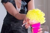 Kouřící Sue ukázala všem množství nikotinu, které se jim dostane do plic po vykouření jedné jediné cigarety.