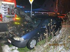 Ve Vřesině u Hlučína se vplamenech ocitlo vozidlo značky Fiat.