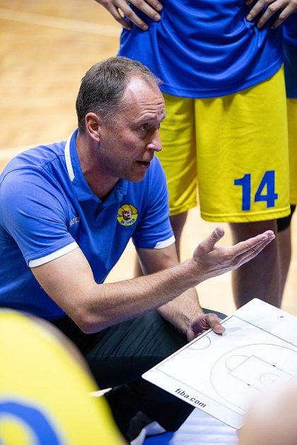 Zápas 3.kola basketbalové Kooperativa NBL mezi BK Opava a Sluneta Ústí nad Labem.