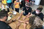 Hráči SFC se seznámili s pomůckami nevidomých.