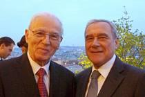 Rostislav Pietropaolo (vlevo) při setkání s předsedou Senátu Italské republiky Pietrem Grassem letos v dubnu.
