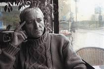 Antonio Gades neztratil nic ze svého šarmu ani v pokročilém věku.