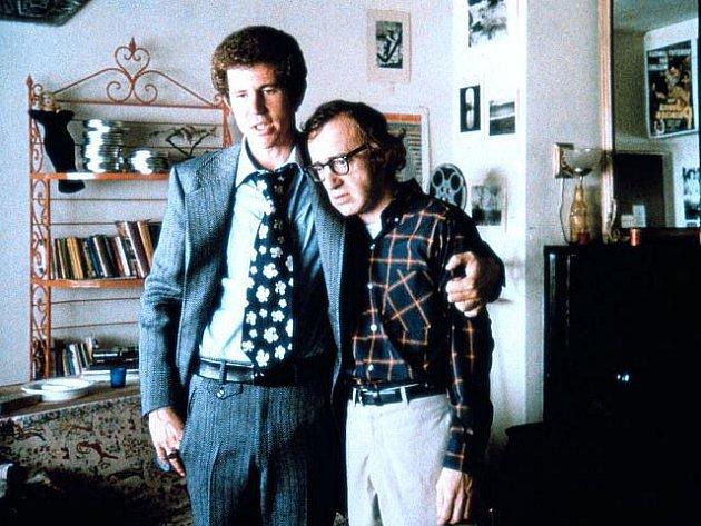 Woody Allen (na snímku vpravo) ve snímku Zahraj to znovu, Same, bude dnes k vidění v kině Mír.