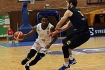 Basketbalisté Nymburka vyhráli třicátý zápas v nejvyšší soutěži, doma sletli Opavu 110:73.    Foto: Tomáš Laš