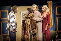 Komedie A do pyžam! je nabitá spoustou špičkových českých herců.