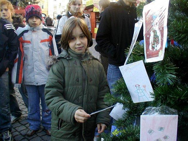 Splněná přání. Malá Kristýnka dostane kromě dárků i novou rodinu.
