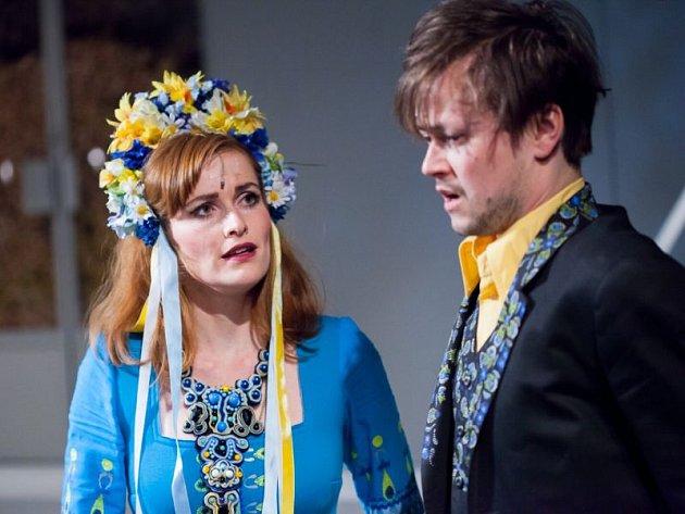 Ústřední dvojice Daniel Volný (Mánek) a Šárka Vykydalová (Eva).