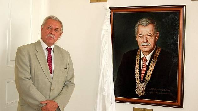 Galerie opavských purkmistrů se rozrostla o portrét Jana Mrázka.
