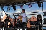 V pátek v šestnáct hodin začal ve Vítkově dvoudenní multižánrový festival s názvem Vítkovský komín.