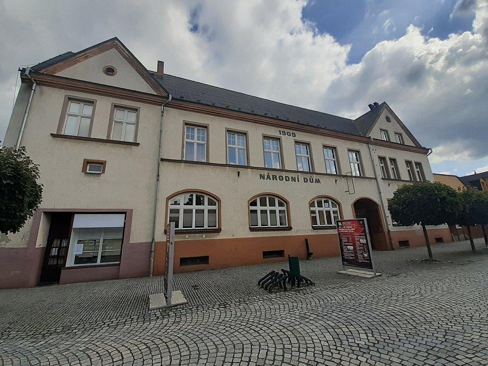 Budova Národního domu v Podolské ulici.