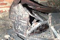 Našla se i poničená měšťanská rakev, pravděpodobně z období baroka.