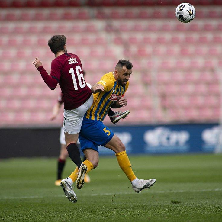 Praha - Zápas fotbalové FORTUNA:LIGY mezi AC Sparta Praha a SFC Opava 25. dubna 2021. Jan Žídek (SFC Opava).