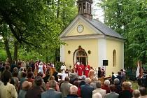 Na Hůrce je tradičně sloužena mše svatá.