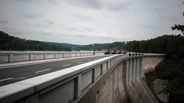 Zrekonstruovaná koruna a oprava návodního líce vodního díla Kružberk, 19. zaří 2017.