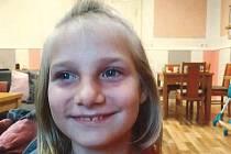 Opavští policisté pátrají po dvanáctileté Anně Vavrušové, která byla naposledy spatřena v sobotu 16. ledna 2021 v obci Velké Heraltice.