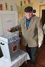 Na venkově byl o volby velký zájem. V Oticích, Uhlířově a také Slavkově si na volební účast stěžovat nemohli.