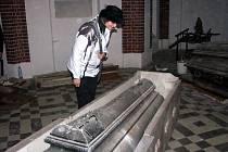 Od neděle 2. dubna bude pro zájemce opět zpřístupněna kaple svatého Kříže v Chuchelné spolu s restaurovanými sarkofágy rodiny knížat Lichnovských. Ilustrační foto z roku 2009.