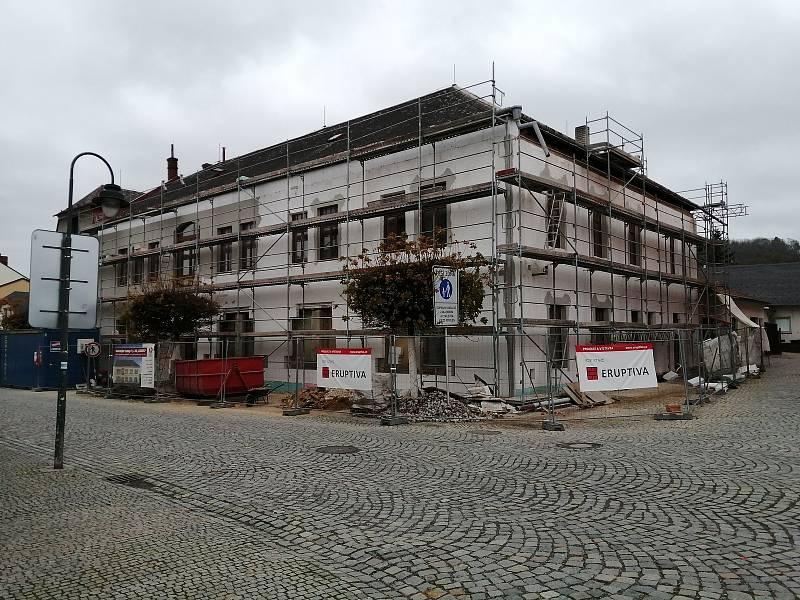 Rekonstrukce budovy Babince v Hradci nad Moravicí, listopad 2020.