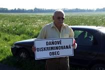 Protestovalo se například na Bruntálsku. Na fotografii je starosta Starého Města Antonín Směšný.