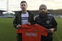 Mikuláš Kubný (vlevo) se sportovním manažerem Pavlem Zavadilem