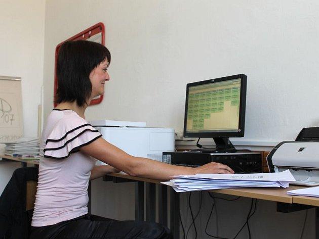 Jarmila Tomanová byla společností Cermat, která má letošní maturity pod taktovkou, pověřena, aby na hladký průběh zkoušek dohlížela.