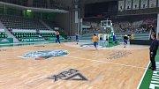Opavští basketbalisté už trénovali v hale.