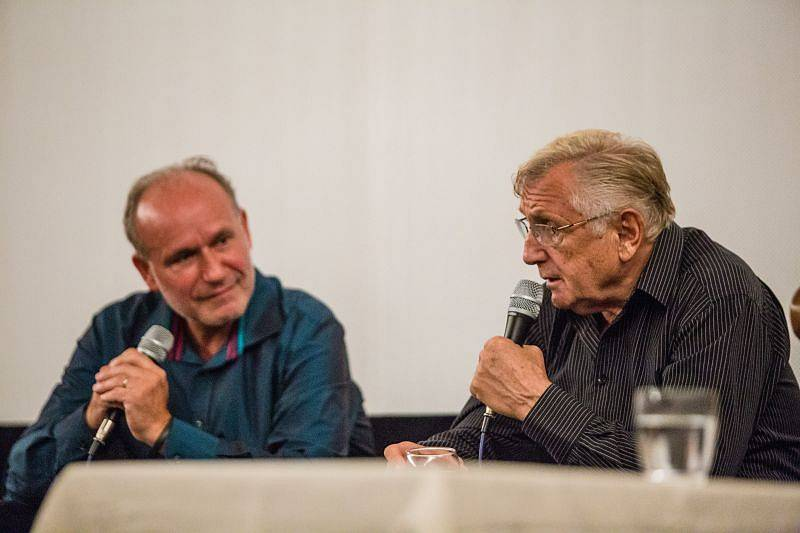 Režisér Jiří Menzel u projekce filmu Postřižiny při příležitosti otevření zdigitalizovaného kina v Hradci nad Moravicí.