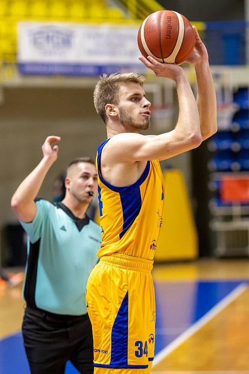 BK Opava - ERA Basketball Nymburk 67:101