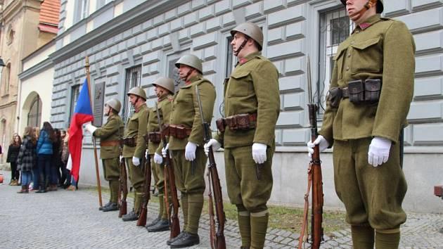 Připomenutí výročí narození prvního československého prezidenta Tomáše G. Masaryka proběhlo před budovou Slezské univerzity v Masarykově ulici.