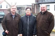 Arnošt Štalmach, Sabina Bednaříková Benková a opavský primátor Zdeněk Jirásek (vpravo) při návštěvě v Kylešovicích.