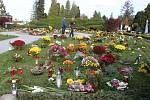 Městský hřbitov v Opavě během Dušiček - Ilustrační foto.