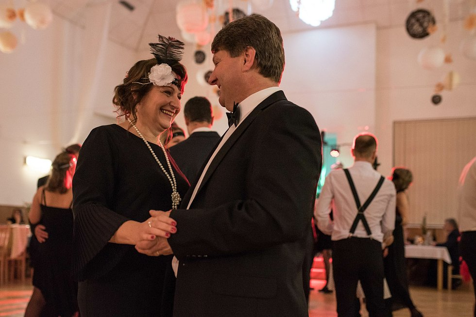 20. Obecní ples ve stylu 20. let 20. století.