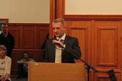 Mimořádné jednání zastupitelstva v Opavě o prodeji Slezského FC Opava.