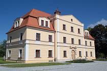 Opravený zámek v Oldřišově.