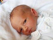 Tomáš Pretsch se narodil 7. srpna, vážil 2,75 kilogramů a měřil 49 centimetrů. Rodiče Tereza a Vladimír z Opavy mu přejí štěstí, zdraví a spoustu radosti ze života. Na Tomáška už doma čeká dvouletá sestra Klárka.