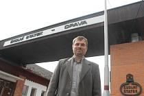 Ředitel Arnošt Klein má se Školním statkem velké plány.