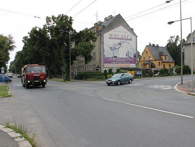 Křižovatka ulic Krnovská a Vančurova. Ilustrační foto.