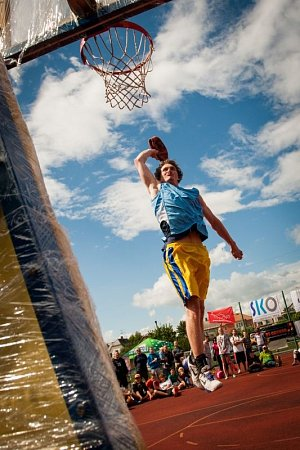 Velký úspěch slavil čtvrtý ročník Sportovně-hudebního Finance4 Street Game Festivalu. Vkylešovickém sportovním areálu se představilo dvaaosmdesát týmů.