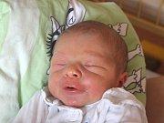 Mikuláš Šimša se narodil 25. dubna, vážil 3,72 kilogramů a měřil 53 centimetrů. Rodiče Lucie a Radomír z Dolního Benešova mu do života přejí zdraví a štěstí. Na Mikuláše se těší sourozenci Jakub, Vojta a Bertík.