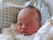Klára Pavelková se narodila 5. července, vážila 3,50 kilogramů a měřila 49 centimetrů. Rodiče Iveta a Tomáš z Opavy jí do života přejí hlavně štěstí. Na Klárku se už doma těší brácha Martin.