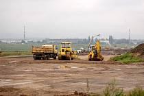 SPOJKA S1. V těchto místech za Opavou-Kateřinkami vzniká první část plánovaného obchvatu Opavy. Žádná omezení dopravy po dokonočení výstavby nejsou plánována.