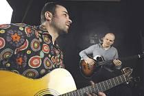 Zdeněk Bína (vlevo) a Jan Urbanec spolu téměř dvěma lety vytvořili výjimečný hudební počin Acoustic project.