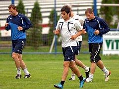 Nečekanou, ale vzácnou návštěvu hostil včera odpoledne útulný fotbalový areál v Ludgeřovicích, kde si zatrénoval běloruský klub Dněpr Mogilev.