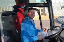 K nejvytěžovanějším řidičům ostravská dopravní společnost JC trans, který sportovce vozí, se řadí Jiří Tamme.