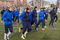 Většina druholigových týmů vyběhla na hřiště v rámci přípravy v pondělí. Fotbalisté Slezského FC začali o dva dny později. Ne, že by měli hráči delší volno, ale absolvovali zátěžové testy v Prostějově.