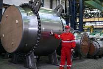 Kulové kohouty jsou široké 227, vysoké 331 a dlouhé 250 centimetrů, váží 35 tun.